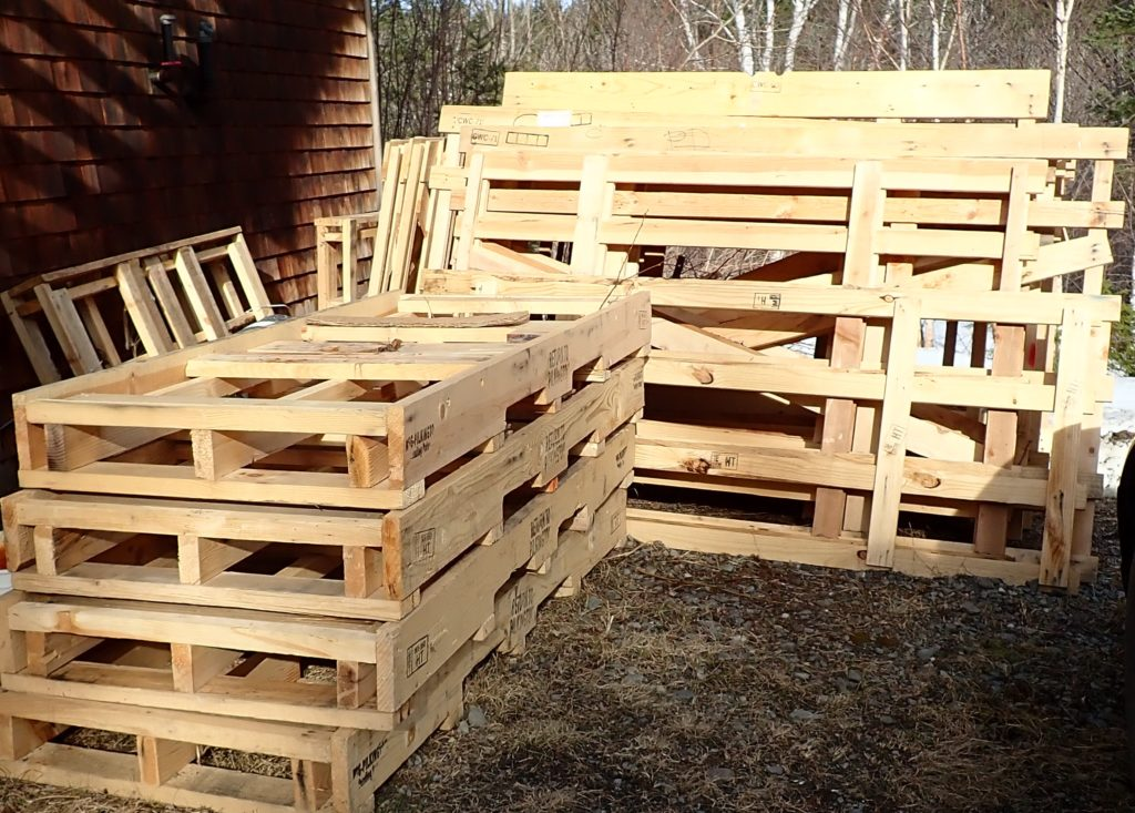 Upcycling pallets: What Pinterest is not telling you and